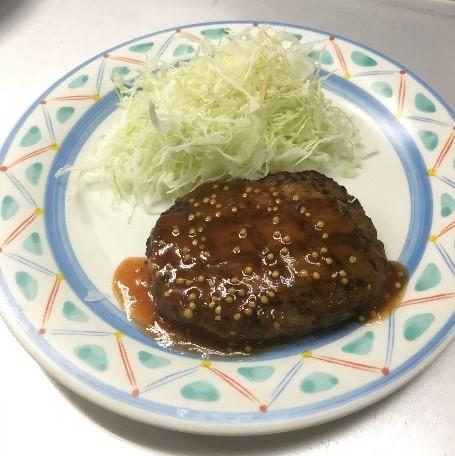 BURNOUTトマトソースのハンバーグ